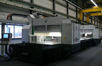 Example of Uniport4000, a CNC machine. Made by Unisign.