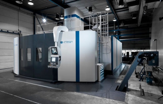 uniport7000, side view of cnc machine