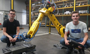 Deburring robot for truck front axles